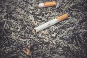fond vintage de cigarette dans la journée mondiale sans tabac photo