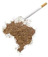cigarette et tabac en forme de brésil (série) photo