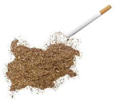 cigarette et tabac en forme de bulgarie (série) photo