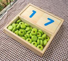 jouets éducatifs mathématiques, nombre sur table photo