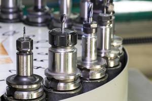 outil de coupe d'alésage métallique cnc carrousel de changeur de tour automatique