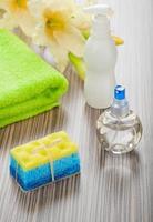 collection d'articles de bain avec fleur