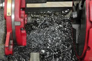 les copeaux de tour et d'acier en spirale