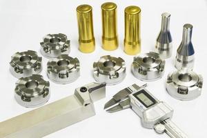 pièces de moule et de matrice d'usinage automobile de haute précision