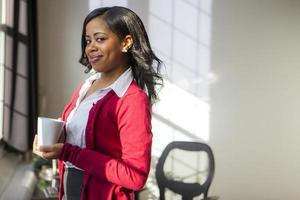femme d'affaires dans son bureau photo