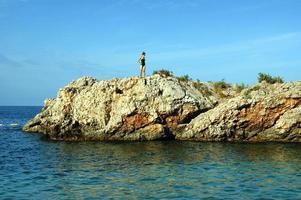l'île rocheuse en mer adriatique photo