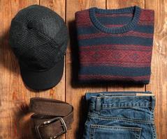 ensemble de tissu masculin d'hiver chaud photo