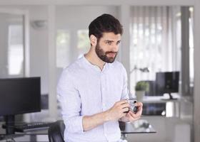 portrait de jeune homme d'affaires photo