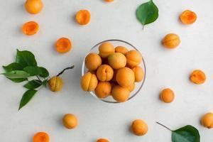 Vue de dessus motif abricot frais photo