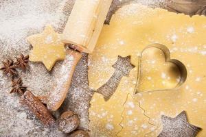 pâtisserie de Noël, biscuits, rouleau à pâtisserie, épices