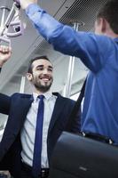 deux, hommes affaires, debout, conversation, métro photo
