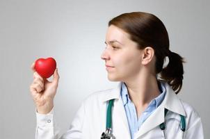 coeur dans la main du docteur