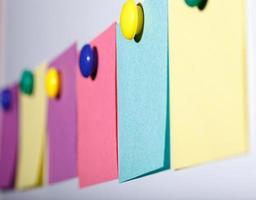 feuilles de papier colorées photo
