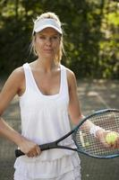 femme, tennis jouant, sur, cour photo