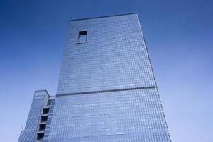 bâtiment de mur de verre