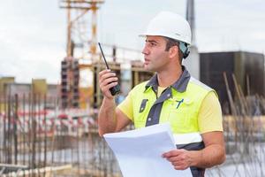 ingénieur civil sur chantier photo