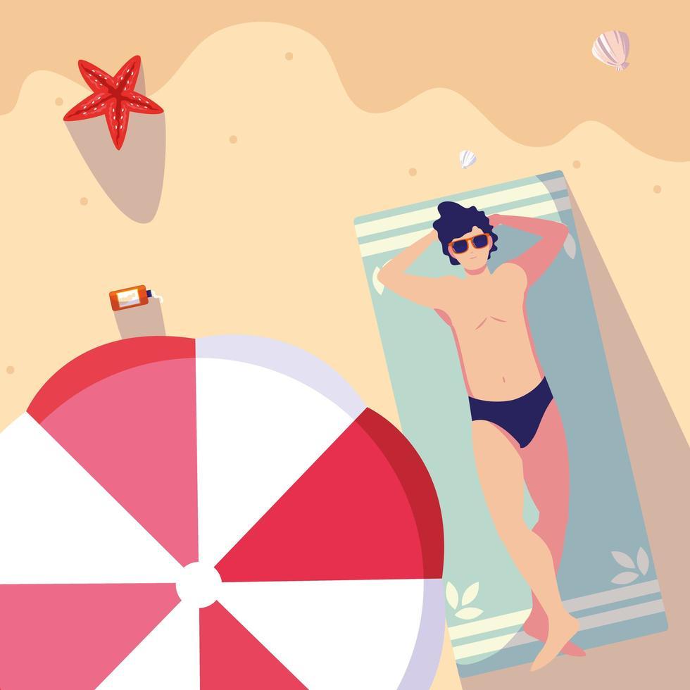 Vue de haut en bas de l'homme en maillot de bain bronzage à la plage vecteur
