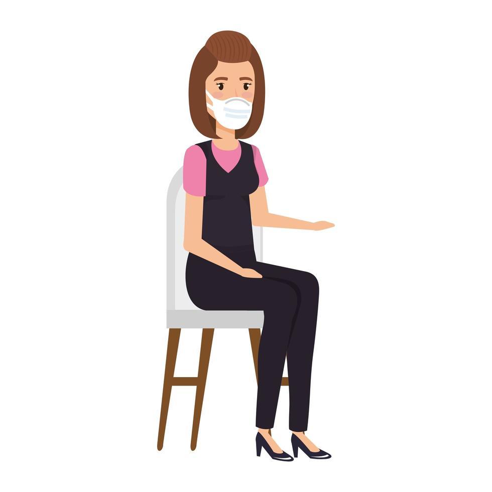 femme d & # 39; affaires avec un masque facial assis sur la chaise vecteur