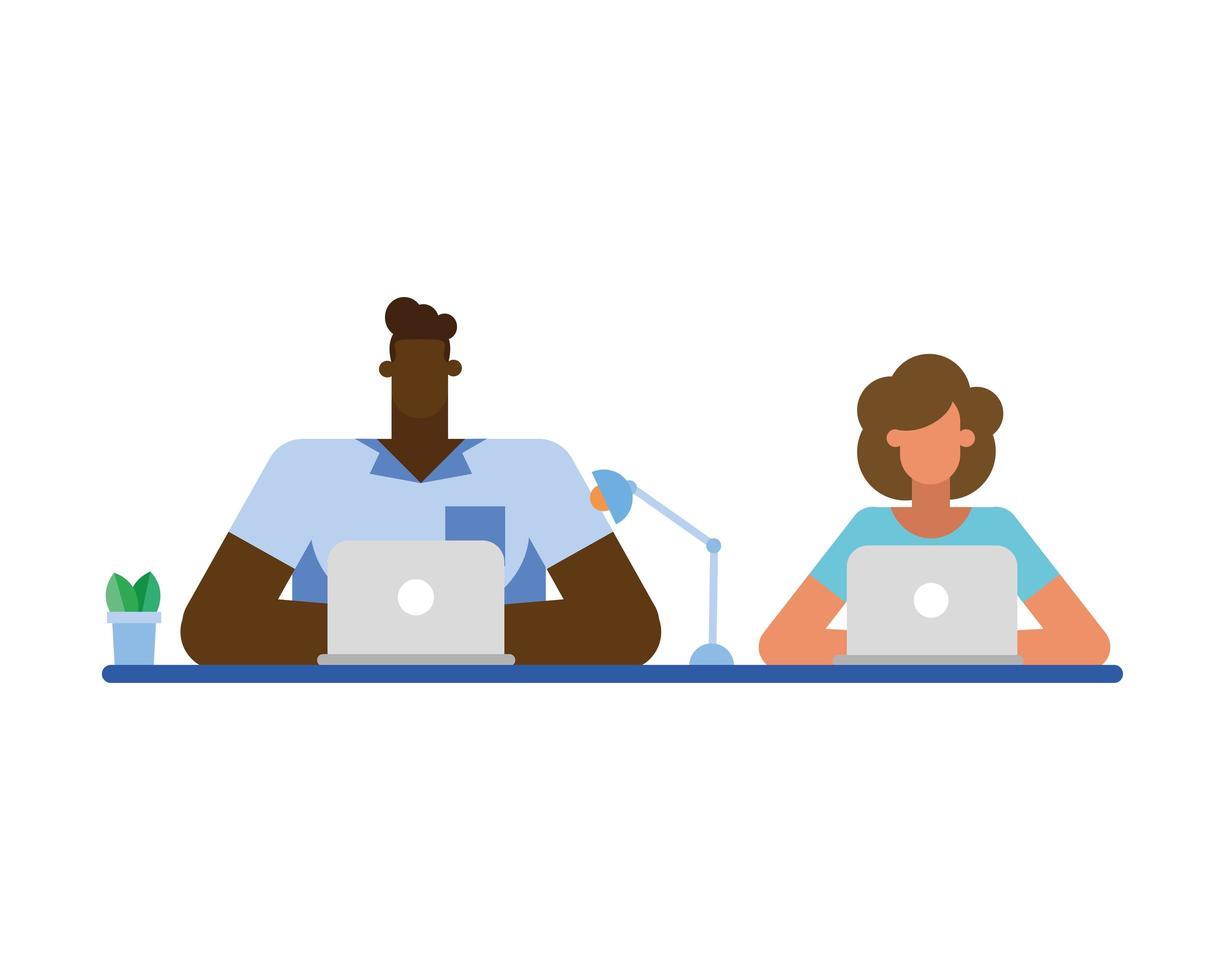 homme d & # 39; affaires et femme d & # 39; affaires au bureau avec conception de vecteur pour ordinateur portable