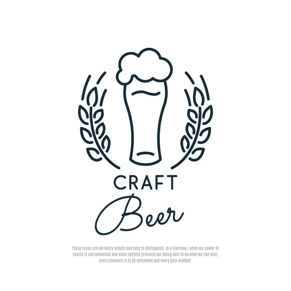 icône de bière artisanale. verre de bière avec mousse et épillets de blé. vecteur