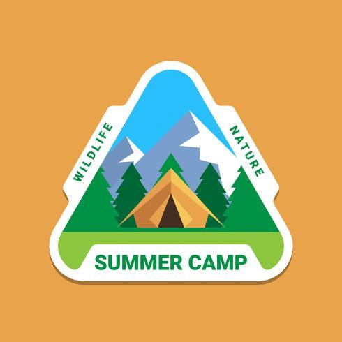 Logo de conception graphique d'insigne d'aventure de camping sauvage vecteur