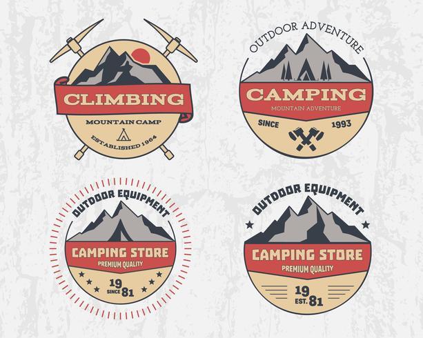 Ensemble d'aventure de camping en plein air de couleur rétro et montagne, escalade, randonnée logo d'insigne, emblème, étiquette Design vintage. Été, hiver, voyage en famille. Vecteur