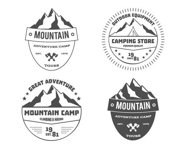 Ensemble d'aventure en plein air monochrome et montagne, logo d'insigne de randonnée, emblème, création d'étiquettes. Voyage d'été avec la famille. Vecteur