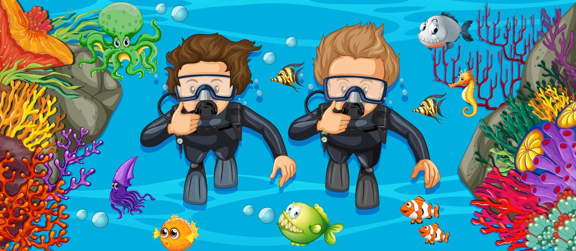 Plongeurs sous-marins dans la mer d'un bleu profond vecteur