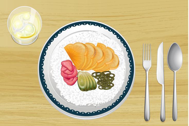 Riz garni avec des tranches de fruits dans un plat vecteur
