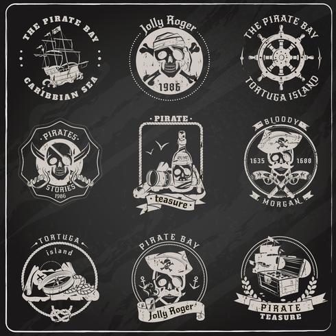 Jeu de craie ardoise emblèmes de pirate vecteur
