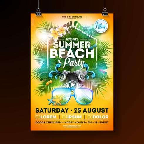 Summer Beach Party Flyer Design avec fleur, bouée de sauvetage et lunettes de soleil sur fond jaune. Modèle de conception Vector Summer Celebration avec éléments floraux de la nature, plantes tropicales et lettre de typographie