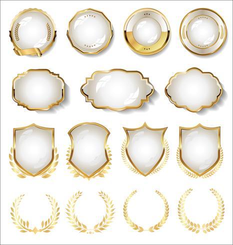 Collection de badge or et blanc et étiquettes vecteur