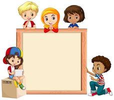 cadre en bois avec des enfants heureux