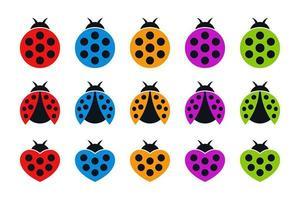 icônes plates colorées de coccinelles rondes et en forme de coeur vecteur