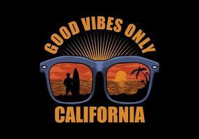 bonne ambiance scène de plage dans la conception de chemise de lunettes de soleil vecteur