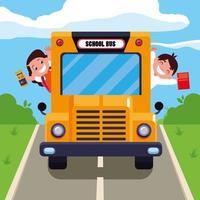 étudiants mignons dans le bus scolaire vecteur