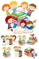 ensemble d & # 39; enfants de dessin animé avec des livres