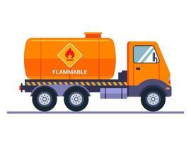 Camion-citerne orange transportant de l'essence