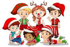 Les enfants portent un personnage de dessin animé de costume de Noël sur fond blanc