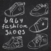 ensemble de chaussures de mode bébé croquis dessinés à la main vecteur