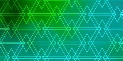 disposition vert clair avec des lignes, des triangles.