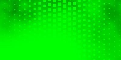 fond vert clair dans un style polygonal. vecteur