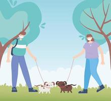 personnes avec masque médical, homme et femme marchant avec des chiens dans le parc, activité de la ville pendant le coronavirus vecteur