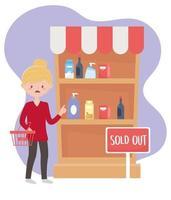 Clientèle femme avec panier de marché épuisé achat excédentaire de nourriture d'étagère