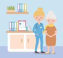 infirmière et grand-mère en salle de consultation, médecins et personnes âgées