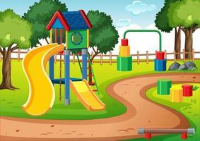 aire de jeux pour enfants vierge avec des toboggans dans la scène