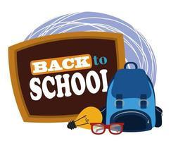 retour à l'école, lunettes de sac à dos et enseignement élémentaire tableau noir