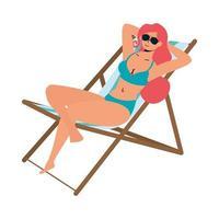 belle femme portant maillot de bain et assis dans une chaise de plage vecteur