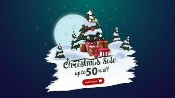 vente de Noël, jusqu'à 50 rabais, bannière de réduction avec grande pleine lune, forêt de pins et arbre de Noël dans un pot avec des cadeaux vecteur
