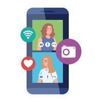 femmes en vidéo discutant en ligne sur smartphone, avec des icônes de médias sociaux